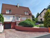 6 izbový rodinný dom s dvomi garážami a krásnym výhľadom v Nitre - Zobor na predaj