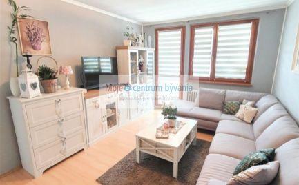 Slnečný a moderný 3 izb. byt s úžasným výhľadom, loggia, výťah + zdvíhacia plošina pre vozíčky vo vchode; 70 m2