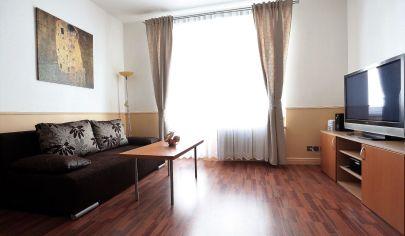 Zariadený 2 izbový byt s balkónom, ul. Grösslingova - Staré Mesto