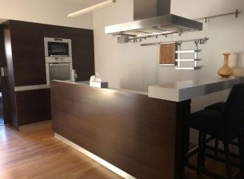 BA I. Na prenájom 2 izbový podkrovný byt v centre na Obchodnej ulici