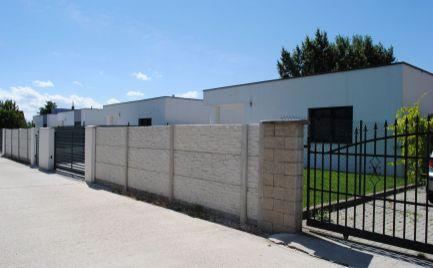 Ponúkame na predaj - 4 izb. novostavbu štýlového bungalovu v tichej a bezpečnej lokalite Rovinky – časť Nové Košariská.