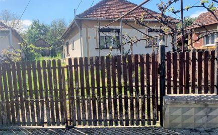 MAĎARSKO - MARTONYI 3 IZBOVÁ CHALUPA V BLÍZKOSTI JAZERA.