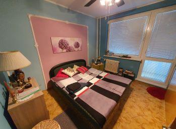 Zariadený 3-izbový byt takmer v centre Senca