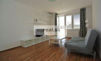 Predaj- svetlý 2,5-izb. byt (66 m2+ loggia 4,5  m2) po komplet. rekonštrukcii v pokojnom a zelenom prostredí TOP časti Ružinova, ul. Ostredková, BA II-  Ružinov
