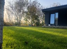 RK KĽÚČ - Exkluzívne iba u nás - VIDEOOBHLIADKA -   novostavba RD BOHDANOVCE  postavenáý na pozemku o rozlohe 550 m2 - len sa nasťahovať