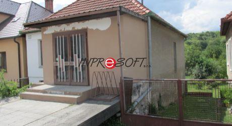 3 iz. dom na bývanie alebo podnikanie v obci Hostie