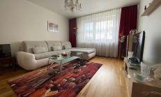 ***Veľkometrážny 4izbový byt s garážou v tichej lokalite, Dúbravka - ulica Koprivnická ***