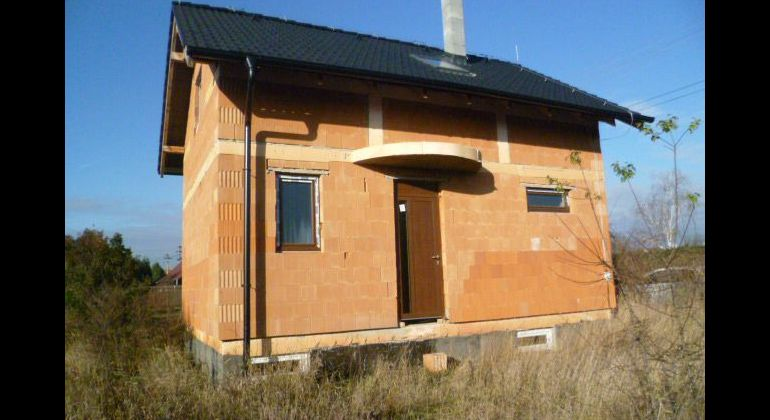Na predaj rozostavaná stavba v Kopčanoch