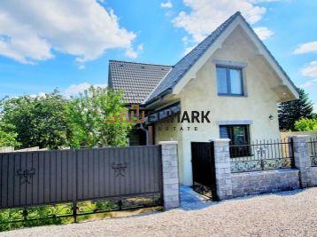 ELIMARK -  PREDAJ - 5 izb ZARIADENÝ DOM 200 m2 so záhradou 400 m2  a s garážou - centrum RAČA, ul. Pri Vinohradoch