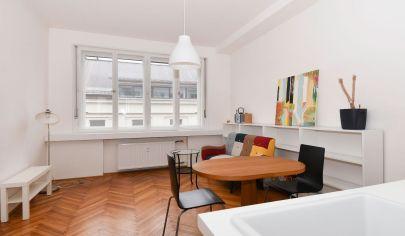 Na prenájom štýlový 2 izbový byt, kompletná rekonštrukcia, BA-Staré mesto