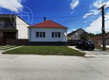 Priestranný rodinný dom v Trsticiach s potenciálom stať sa Vašim novým domovom