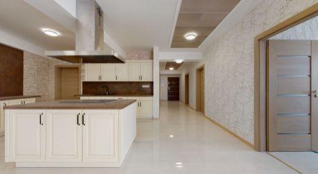 Nový zariadený 3 izb. apartmán GALLERY LUX č. 26 /156 m2, balkón 14,5 m2/ Piešťany