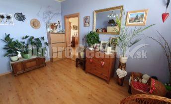 Znížená cena! Príjemný 3 izbový byt s klimatizáciou a krásnym výhľadom na okolie!