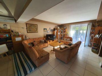 Priestranný 5-izbový Rodinný dom v blízkosti centra a Slnečných jazier