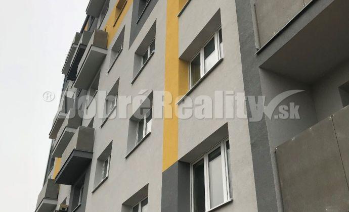 Na dlhodobý prenájom 1 izbový byt v Prievidzi