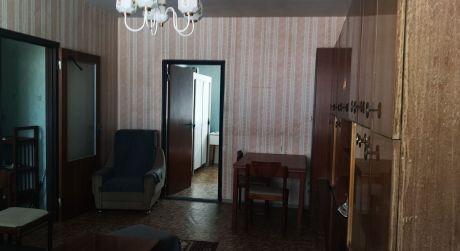 Kuchárek-real: Ponuka 2 izbového bytu v pôvodnom, udržiavanom stave s loggiou v Pezinku.