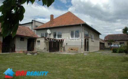 REZERVOVANÉ- OSTRATICE / Starši rodinný dom / 3 izby / pozemok 800 m2 / IBA U NÁS !!!