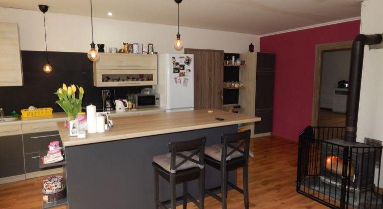Exkluzívne- Na Predaj 3-izbový veľkometrážny byt, 149.50 m2, Handlová, Centrum