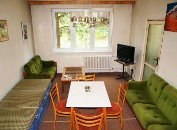 BA II. Na prenájom 3 izbový byt na Komarnickej ulici v Ruzinove