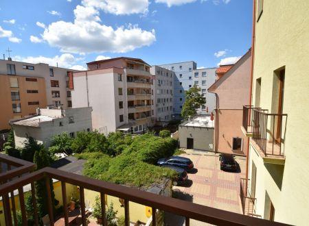 Prenájom 1 izbového bytu s parkingom, Nálepkova ul., Piešťany-centrum