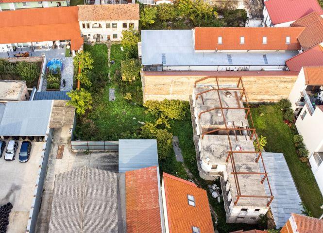 polyfunkčný objekt - Hlohovec - Fotografia 1