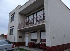 Čierna Voda, okr. Galanta - NA PREDAJ samostatný, čiastočne podpivničený, dvojgeneračný 6 izbový rodinný dom, posadený v tichej a kľudnej časti obce