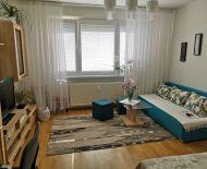 REZERVOVANÝ - 1i veľký, slnečný byt v Sásovej