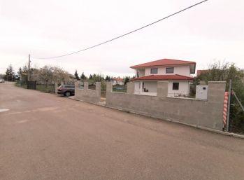 Novostavba priestranného 6-izb. rodinného domu na rozľahlom pozemku