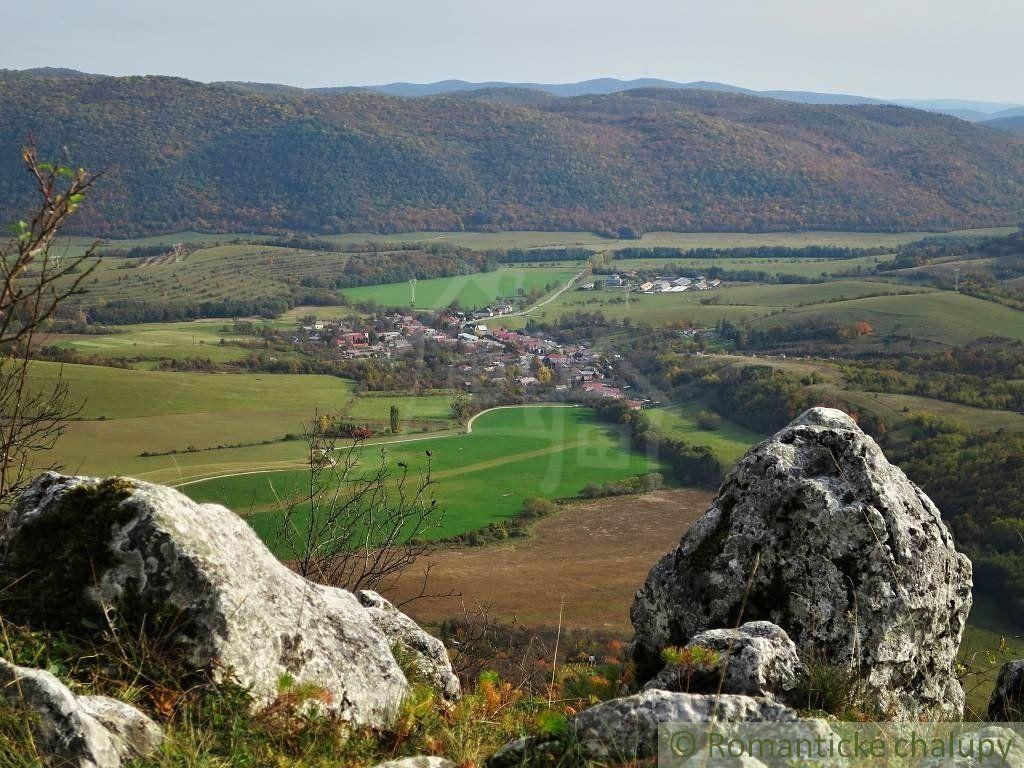 Chalupa v obci Hrušov