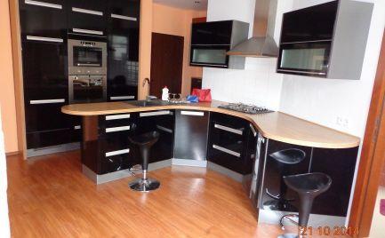 Ponúkame na prenájom priestranný 1-izbový byt po kompletnej rekonštrukcii na Wilsonovej ulici v Bratislave - Staré Mesto