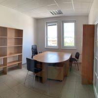 Kancelárie, Bánovce nad Bebravou, 15 m², Kompletná rekonštrukcia
