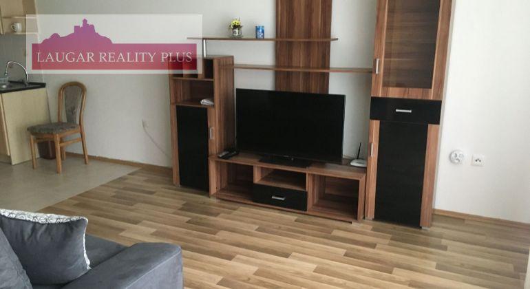 Halalovka ,1,5 izb. byt + park. miesto, prenájom ,Trenčín, Juh III