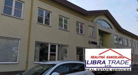 PRENÁJOM - Kancelárske priestory pri pošte v centre Komárna