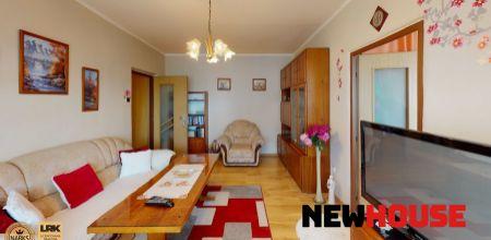 Na predaj 3 izbový byt v centre mesta Púchov s balkónom, 66 m2