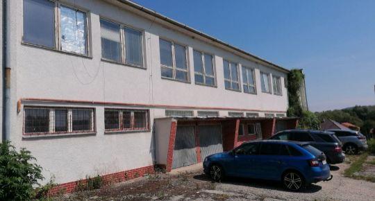 Predaj  administratívnej budovy v Dolných Plachtinciach.