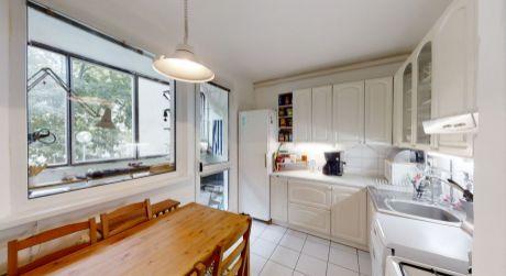 REZERVOVANÉ - 360° NA PREDAJ pekný 3 izbový byt na dobrej adrese neďaleko Ekonomickej univerzity