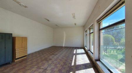 Ponúkame na prenájom obchodno-skladový priestor v obci Staré Nosice.