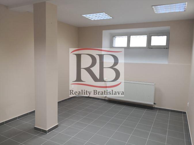 Obchodný objekt-Predaj-Bratislava - mestská časť Staré Mesto-98500.00 €