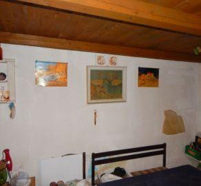 StarBrokers – PREDAJ: rodinný dom 60 m2 na veľkom pozemku 1.439 m2 Dolné Otrokovce, okres Hlohovec