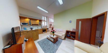 Na predaj bezbarierový tehlový 3 izbový byt na Piešťanskej ulici, 83 m2 možnosť dokúpiť garáž