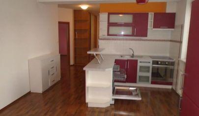 Na prenájom 3-izbový byt s terasou v novostavbe, Vlčince