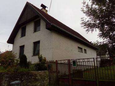 178644 Dvojgeneračný rodinný dom s pozemkom 810 m2 Hubina 5+1 - Záhrada 119 m2 k domu grátis - Piešťany 7 km
