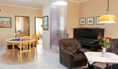 REZERVOVANÝ - NA PREDAJ 4 izb. byt vo vyhľadávanej časti Petržalky - Romanova ul.