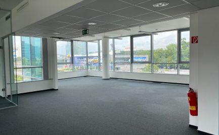 Open space v Ravak BC, 329 m2, Einsteinova ul.
