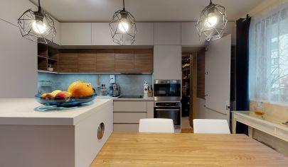 Ponúkame na prenájom priestranny 3 izbový byt s garážovým státim v projekte BLUMENTÁL