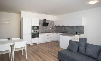 Prenájom,  3- izb. (76,48 m2 + 3,64 m2 loggia + 2 m2 loggia), iba rok obývaný byt v čerstvo skolaudovanom komplexe MamaPapa s garážovým státím, ul. Nejedlého, Bratislava IV- Dúbravka