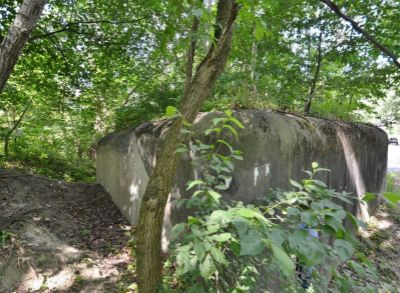 CORRIS: Vojenský bunker, prístup autom, siete v dosahu, BA-Petržalka