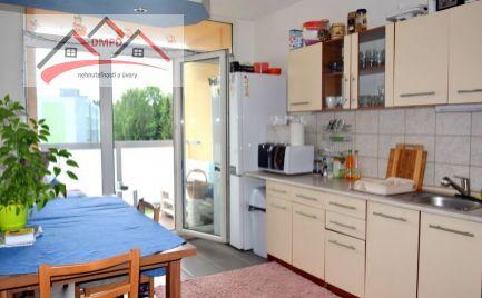 DMPD real Vám ponúka na predaj 3-izbový byt nachádzajúci sa na ulici Okružná v meste Handlová.