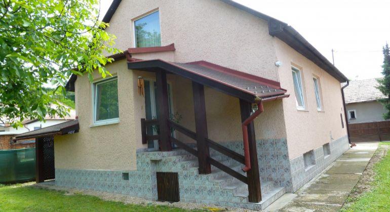 Pekný 3 izbový rodinný dom na predaj, Lučenec