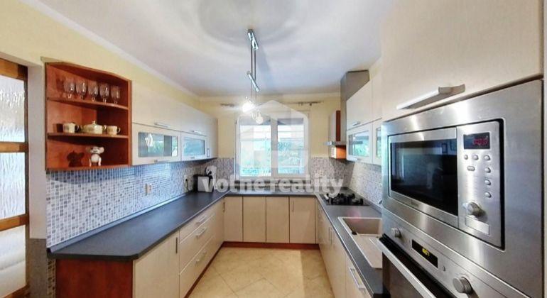 Na predaj 5 izbový rodinný dom s pozemkom 780m2, Trenčín, Zlatovce